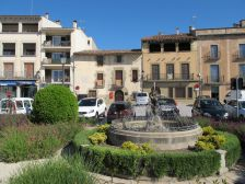 Plaça Prat de la Riba amb el museu al fons